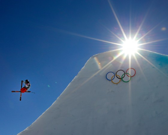 SOCHI, RUSSIA - FEBRUARY 13:  Gus Kenworthy of the United States competes in the Freestyle Skiing Men's Ski Slopestyle Finals during day six of the Sochi 2014 Winter Olympics at Rosa Khutor Extreme Park on February 13, 2014 in Sochi, Russia.  (Photo by Ezra Shaw/Getty Images)